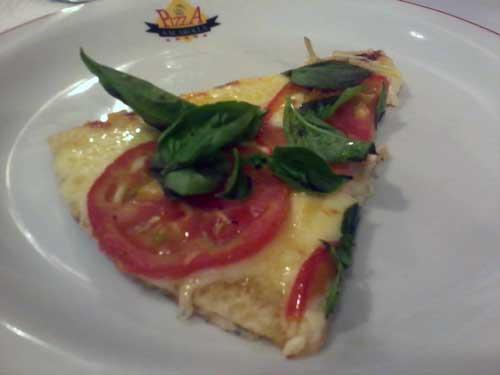Scarolla Pizzaria - Pizza Meia Margherita - Pedaço