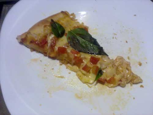 Pomodoro Pizza & Pasta - Pizza Margherita - Pedaço