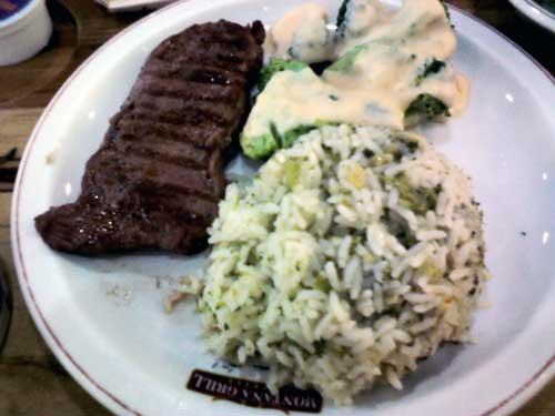 Montana Grill Express - Bife Ancho, Arroz com Brócolis e Brócolis com molho