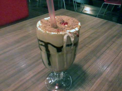 Fred Burguer Grill - Milk Shake Café Paris