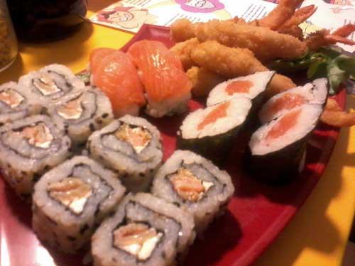 Sushi Loko - Combo 11: Sushis, Sashimis e Camarão Empanado