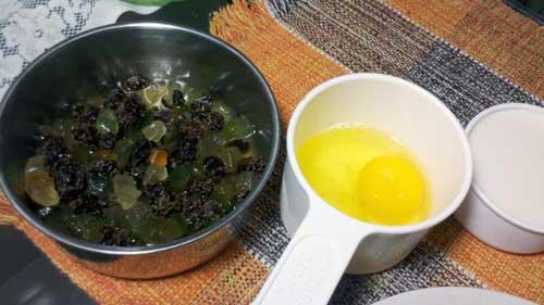 Receita de Panetone do Casal - Ingredientes: Frutas Cristalizadas no Vinho e Ovos