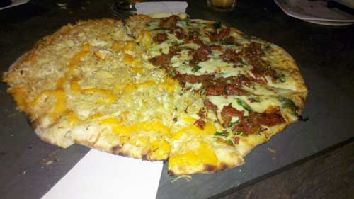 Pizzaria Originale - Pizzas de Cheddar e Rúcula