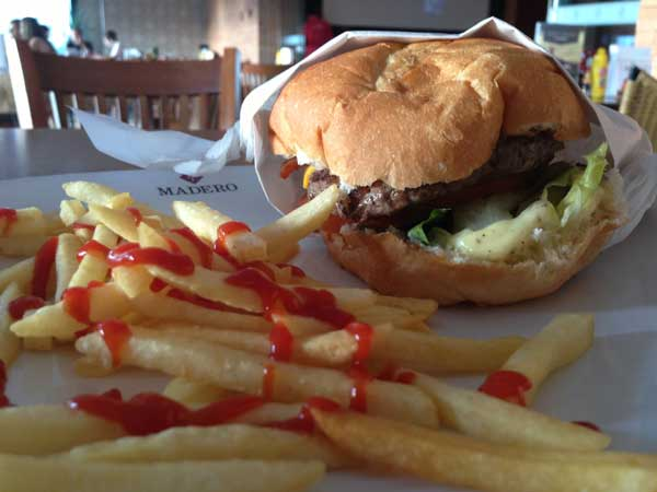 Madero Burger e Grill - Cheeseburger New York Bacon