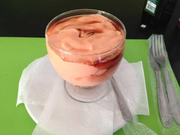 Acanto Restaurante - Sobremesa: Creme de Papaya com Cassis