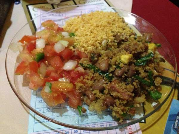 Caldos 24 Horas - Acompanhamentos: Feijão Tropeiro, Tomate e Farofa