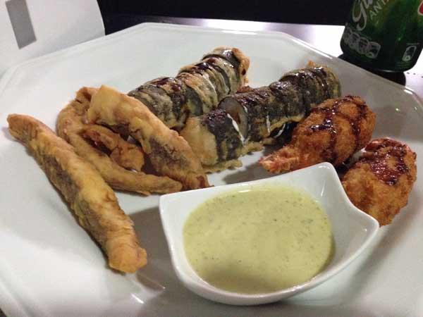Nirá Restaurante Japônes - Voltim de Camarão, Hot Philadelphia e Molho de Hortelã