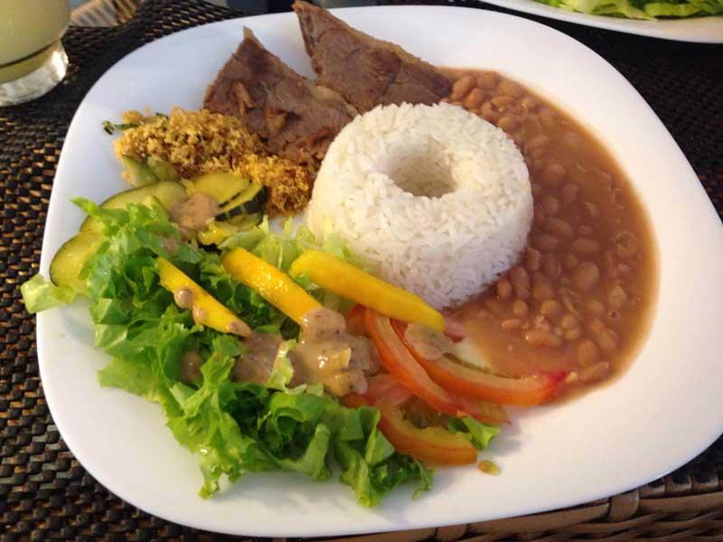 Café Português - Almoço Executivo: Arroz, Feijão, Maminha, Farofa e Salada