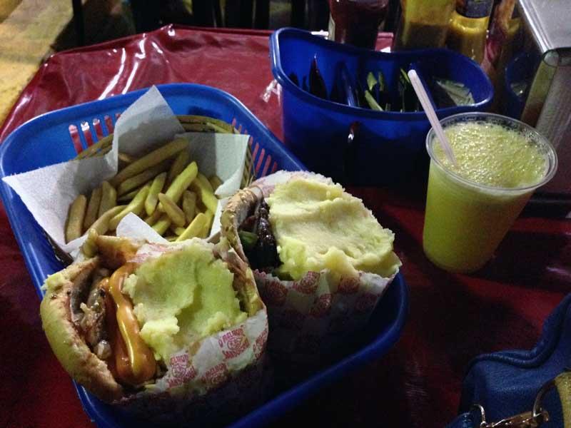 Sanduway - Sanduíches, Batata Frita e Suco de Laranja