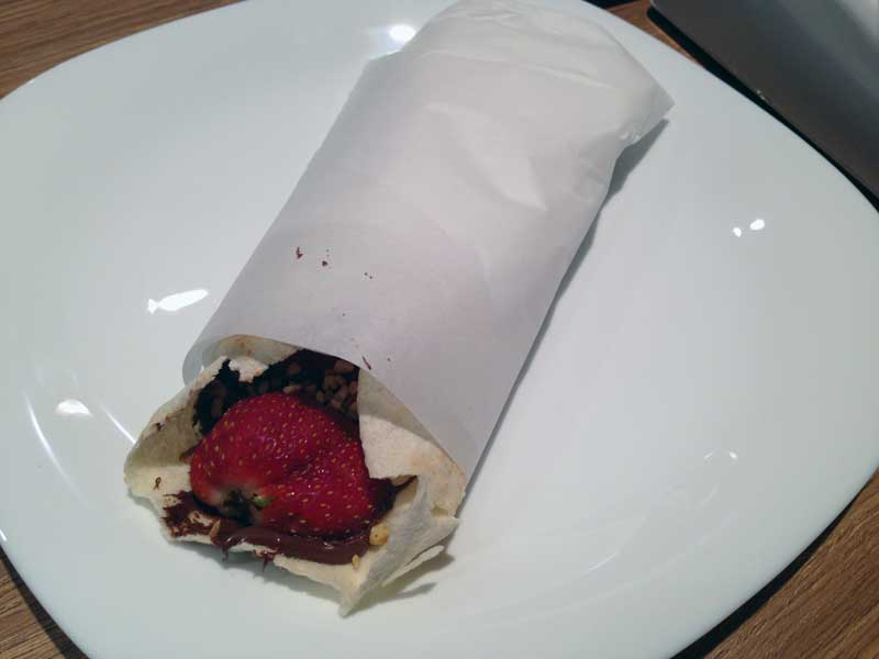Falak Kebaberia - Kebab Doce de Morango com Nutella