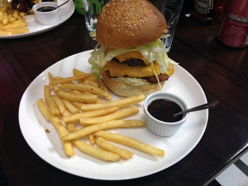 14 Bis Burger & Grill (5 estrelas)
